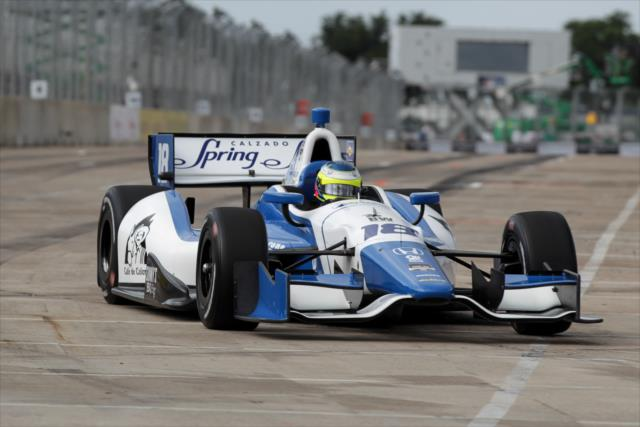 IndyCar: Houston Race 1 – Rookie Huertas wins, Colombia sweeps podium