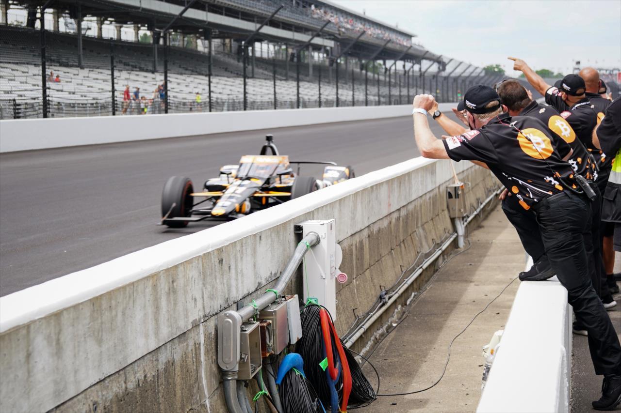 Rinus Veekay fez uma boa volta e garantiu vaga na primeira fila (James Black/IndyCar)