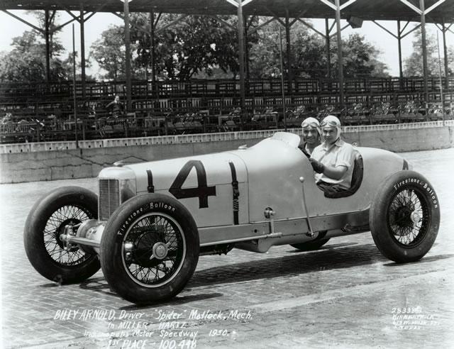 Billy Arnold domina l'edizione 1930 accompagnato sulla sua Miller da Spider Matlock. indycar.com