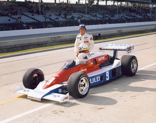 Rick Mears, primo campione CART e vincitore della Indy500 1979 alla guida della Penske PC6. indycar.com